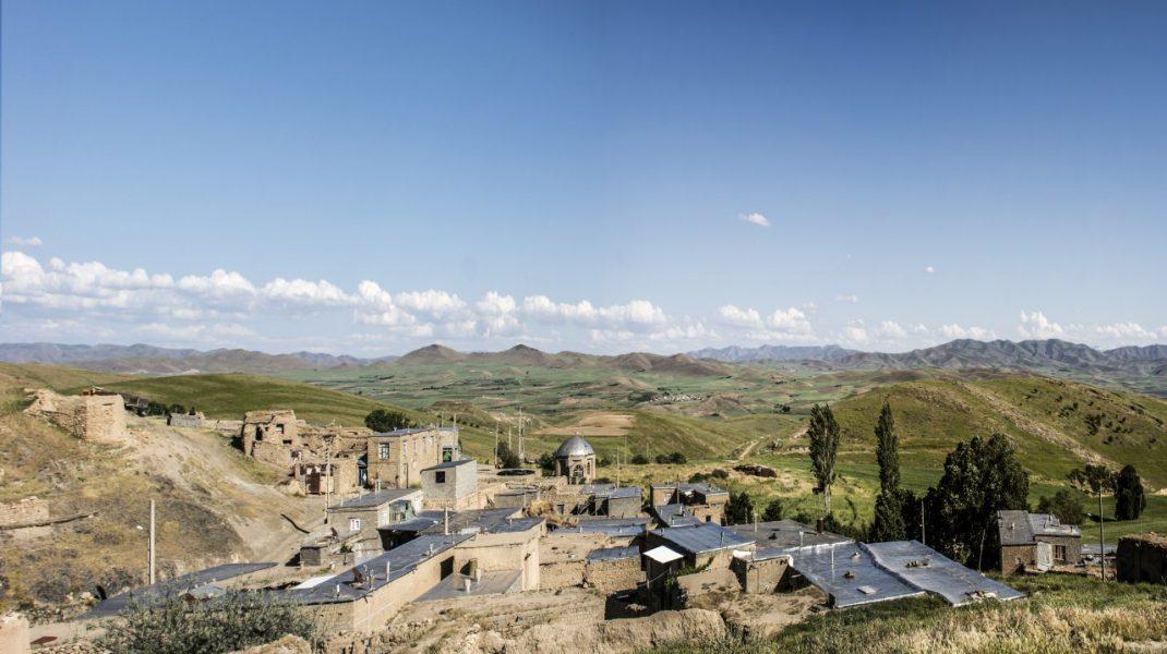 پیریونس گنجینه قرآن و کتاب های تاریخی/ ضرورت تهیه طرح گردشگری مذهبی روستا