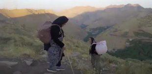 روایت تلخ زنان کولبر و غم برنگشتن مادر | بارمان را که میگیرند بدبخت میشویم