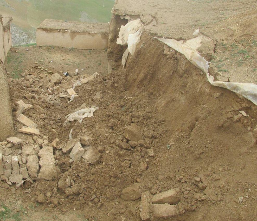 آسیب دیدن قلعه زیویه در بارندگی های اخیر/ لزوم چاره جویی فوری مسئولان